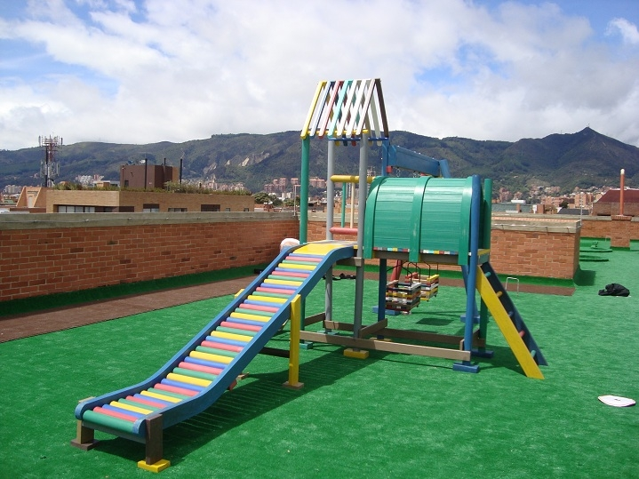 juegos infantiles (PLAYGROUNDS), Maderplast